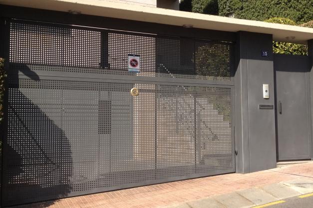 Puertas de garaje - Puerta chapa galvanizada ...