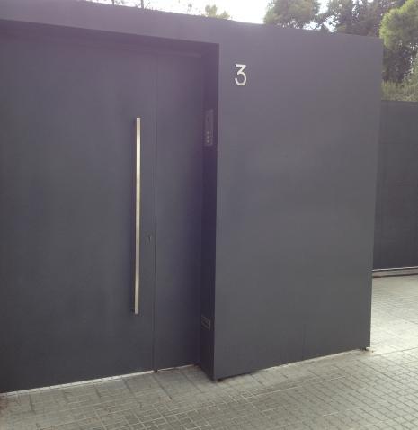 Puertas para comunidades for Fotos de puertas metalicas modernas